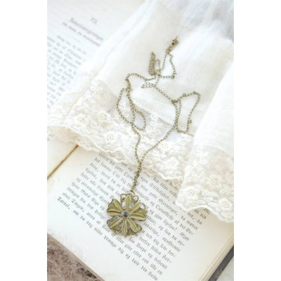 Sweet Flower Necklace