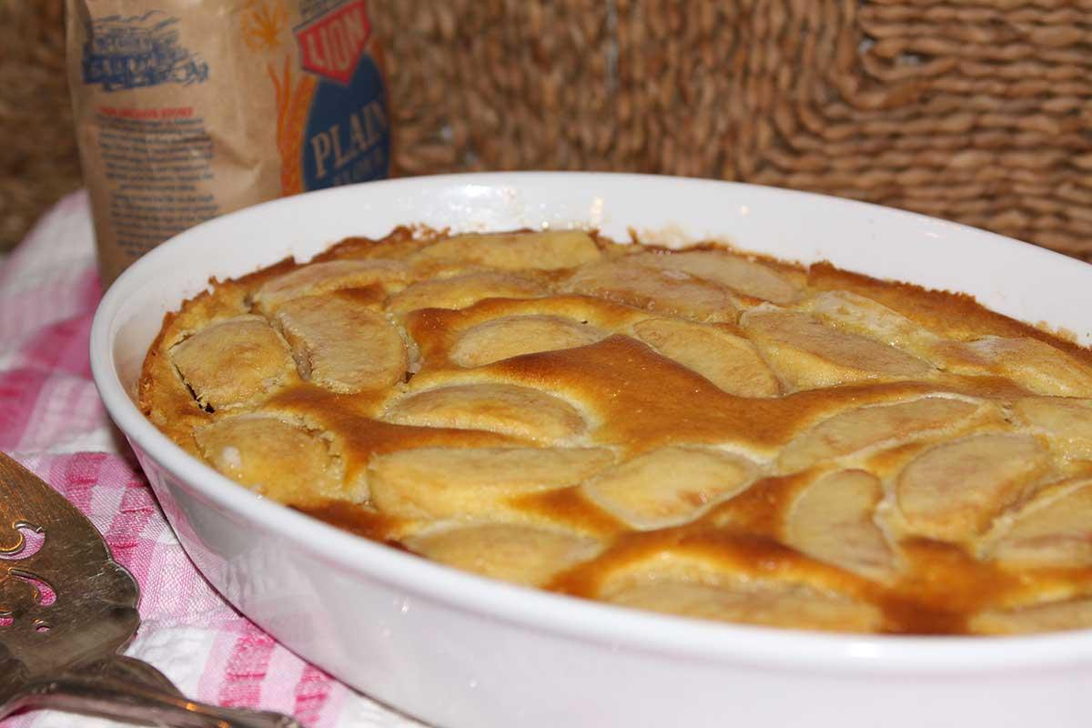 Clafoutis aux pommes a la normande