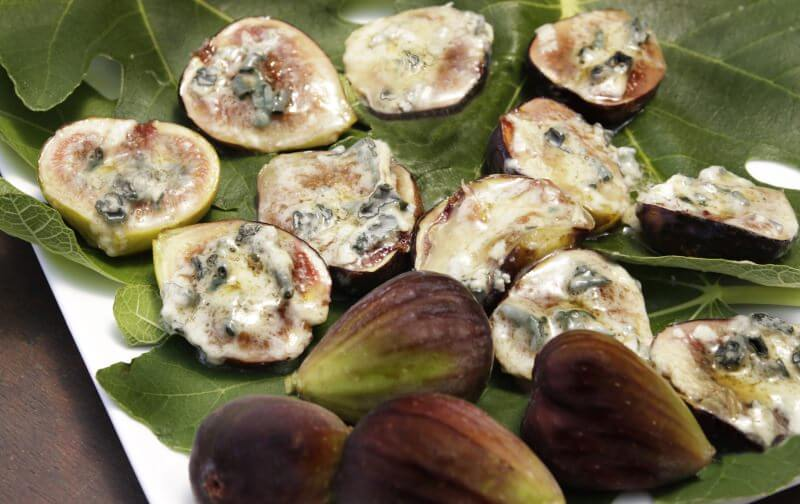 Roasted Figs with Blue Cheese