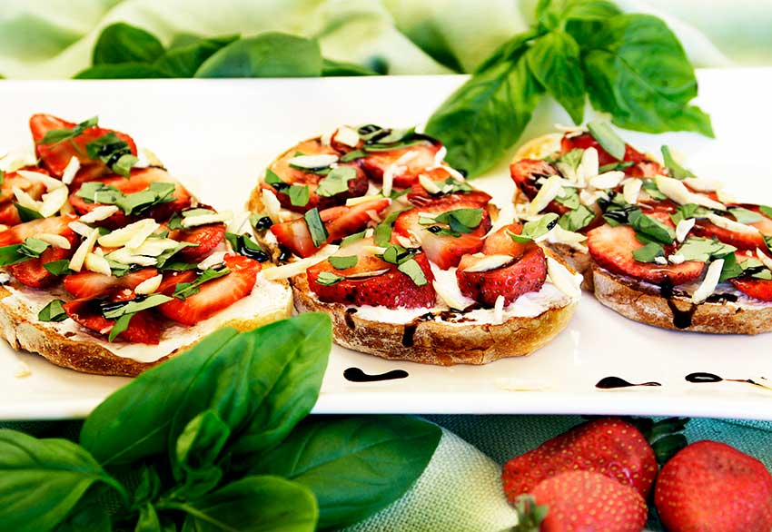 Provence: Strawberry Basil Bruschetta