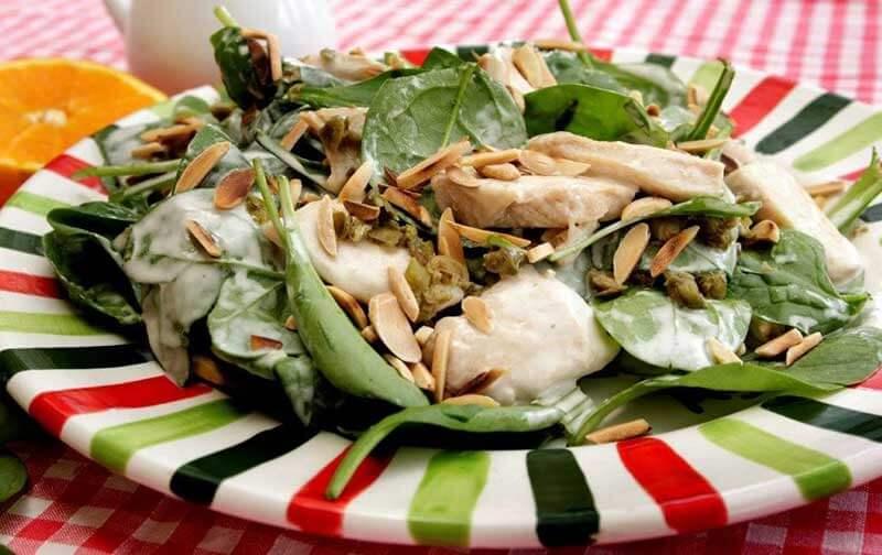 Chicken and Almond Salad (Salade de Poulet aux Amandes)